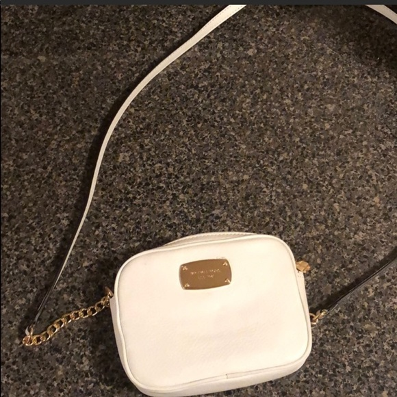 Michael Kors Handbags - NWOT small Michael Kors crossbody!